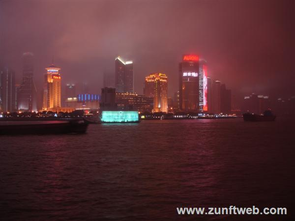 DSC06219-the-bund-at-night