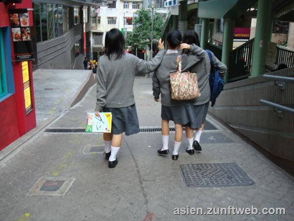 dsc09362_school_girls_hong_kong