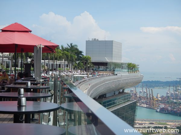 dscn2281_pool_marina_bay_sands